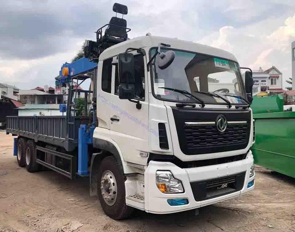 Xe Dongfeng 3 chân gắn cẩu Dongyang 7 tấn , xe tải gắn cẩu 7 tấn