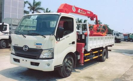 Xe Hino XZU720L gắn cẩu nâng người cao 11m