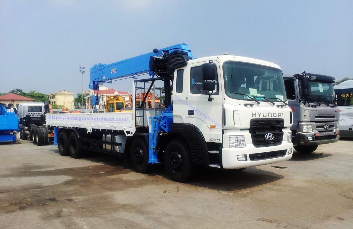 Xe Hyundai HD320 lăp cẩu Dongyang 10 tấn đời 2021/2022
