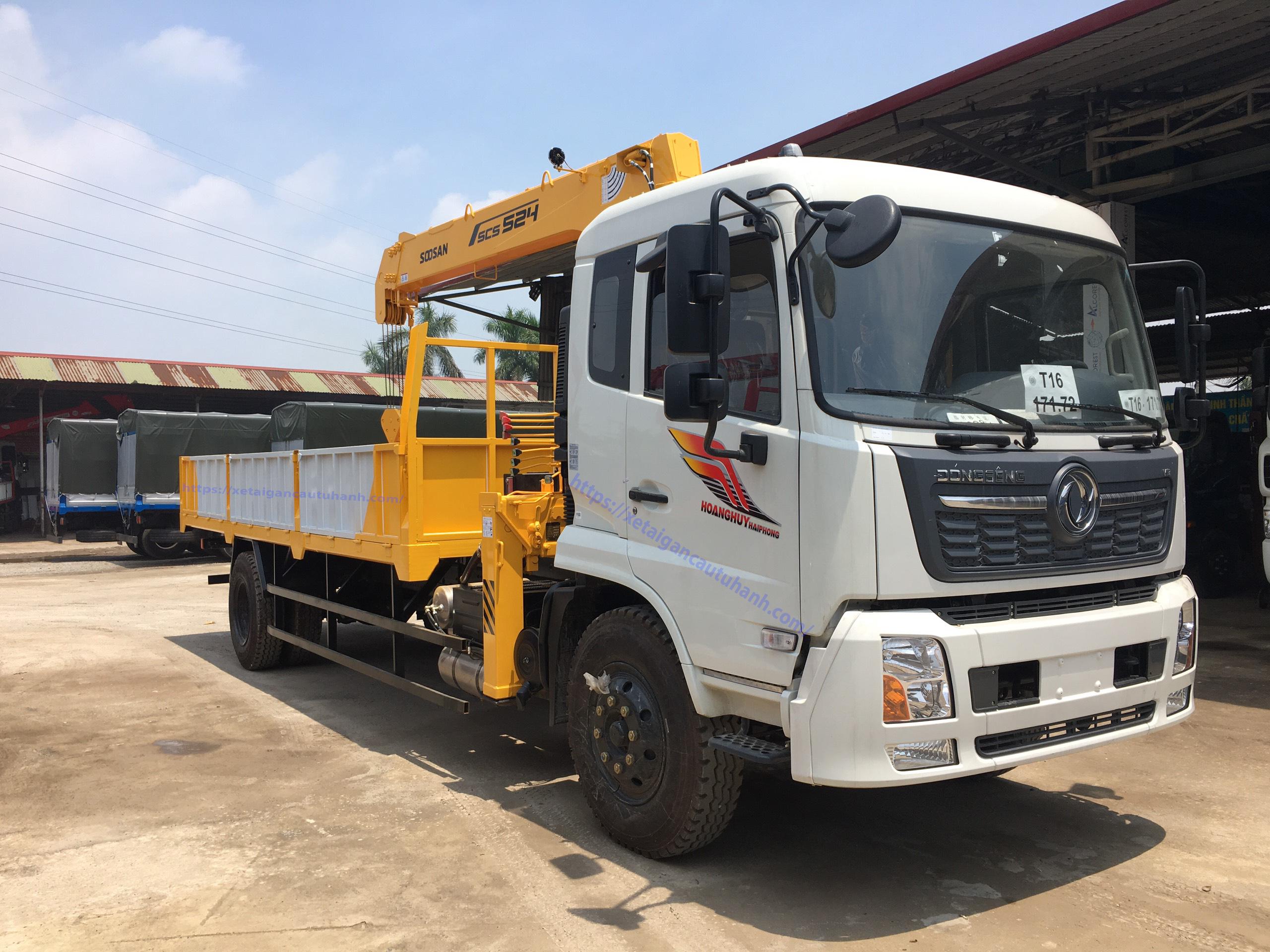 Xe Dongfeng B180 gắn cẩu Soosan 5 tấn giá rẻ mới 2021/2022